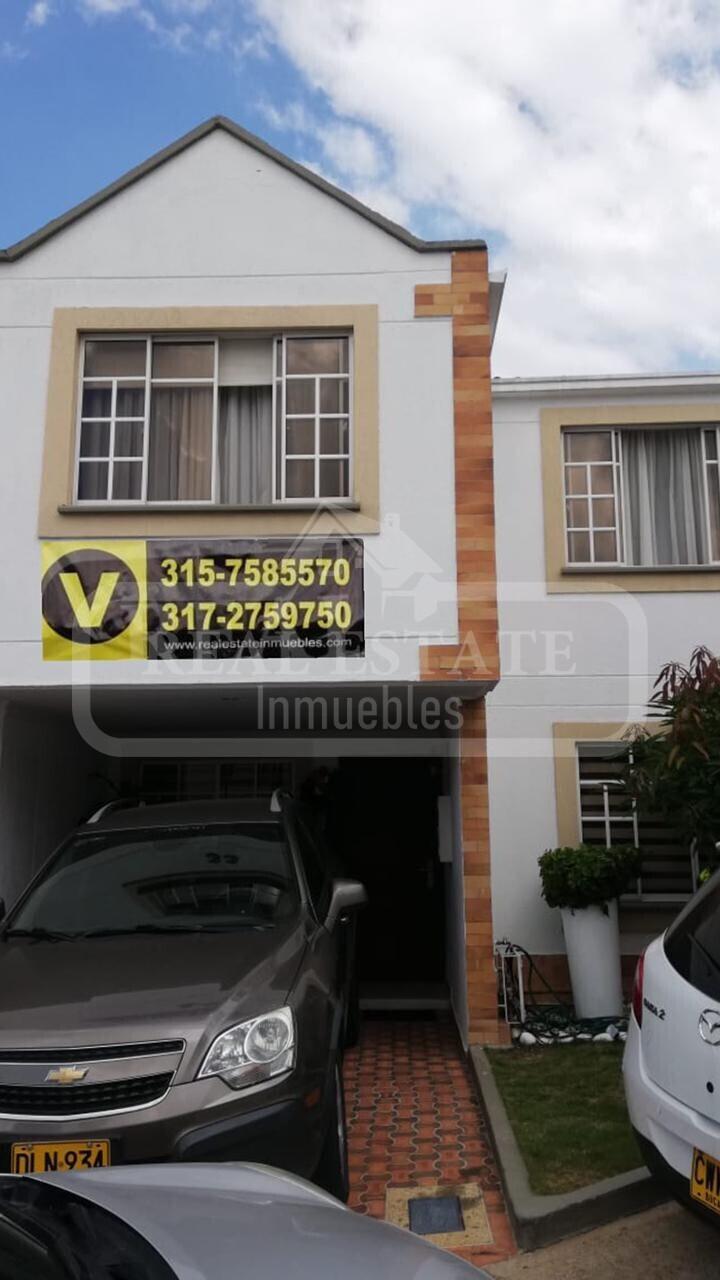 COD 210379 | CASA LAGOS DEL CACIQUE