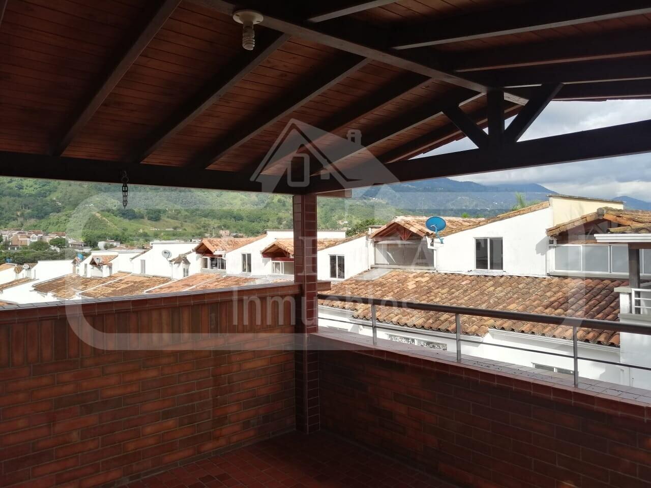 COD 210522 | CASA LAGOS DEL CACIQUE