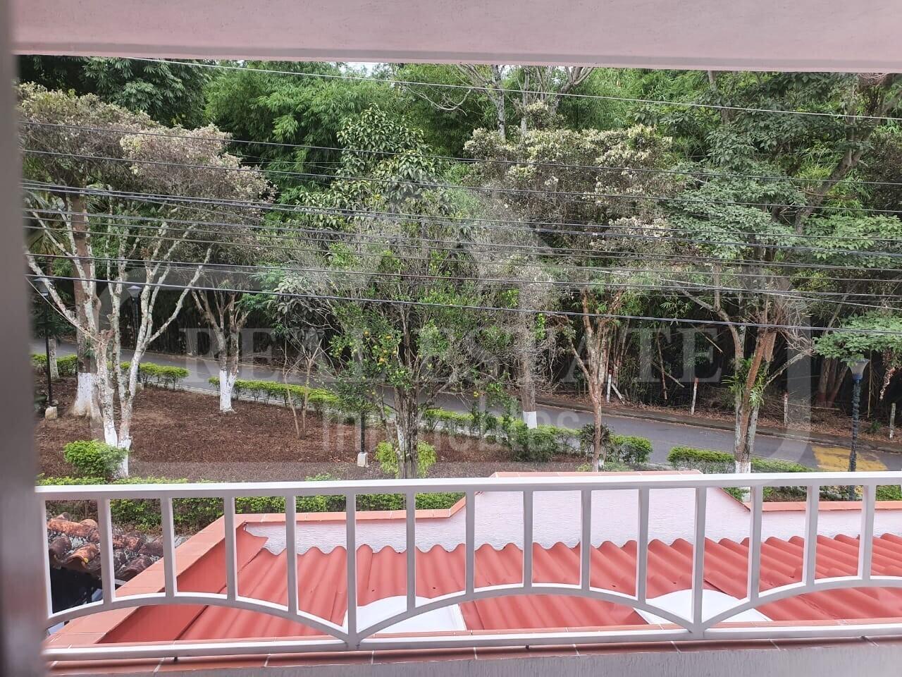 COD 210551 | CASA FLORIDABLANCA