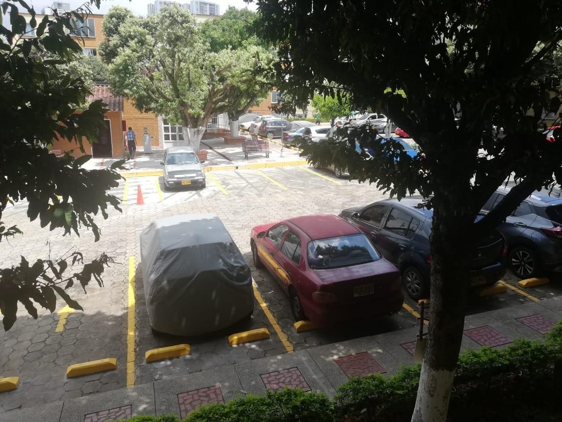 COD 210571    APARTAMENTO EL BOSQUE